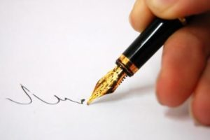 office-Hand_and_pen_writing_2